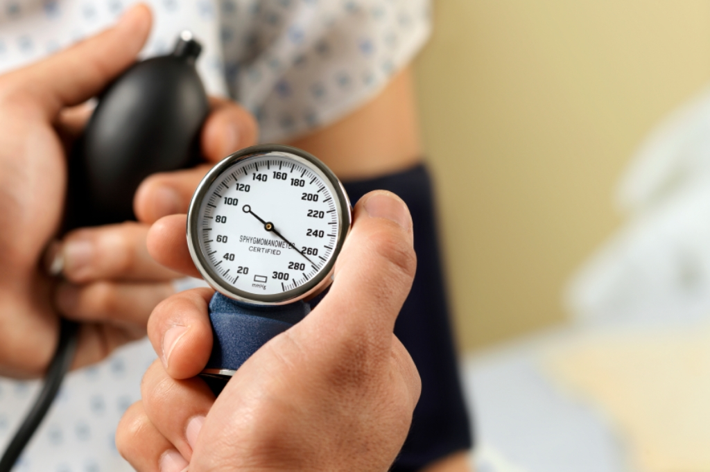 Hausmittel und Heilmethoden gegen hohen Blutdruck